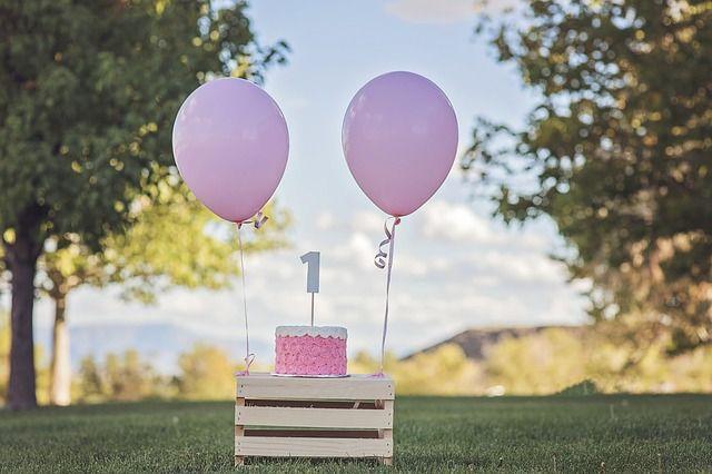 birthday balloon cakes outdoor