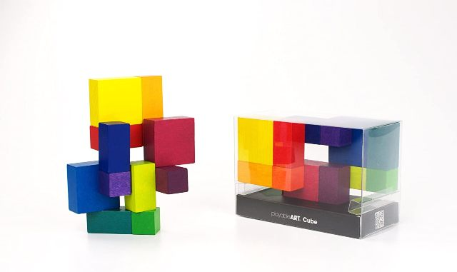 Art cube for office staff